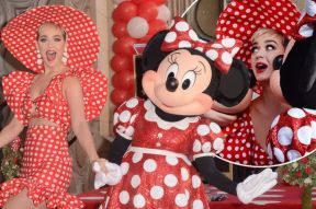 MAIN-Minnie-Mouse-is-joined-by-singer-Katie-Perry-and-Mickey-Mouse-during-an-unveiling-ceremony
